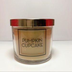 🎃🧁B&BW Pumpkin Cupcake Candle🧁🎃